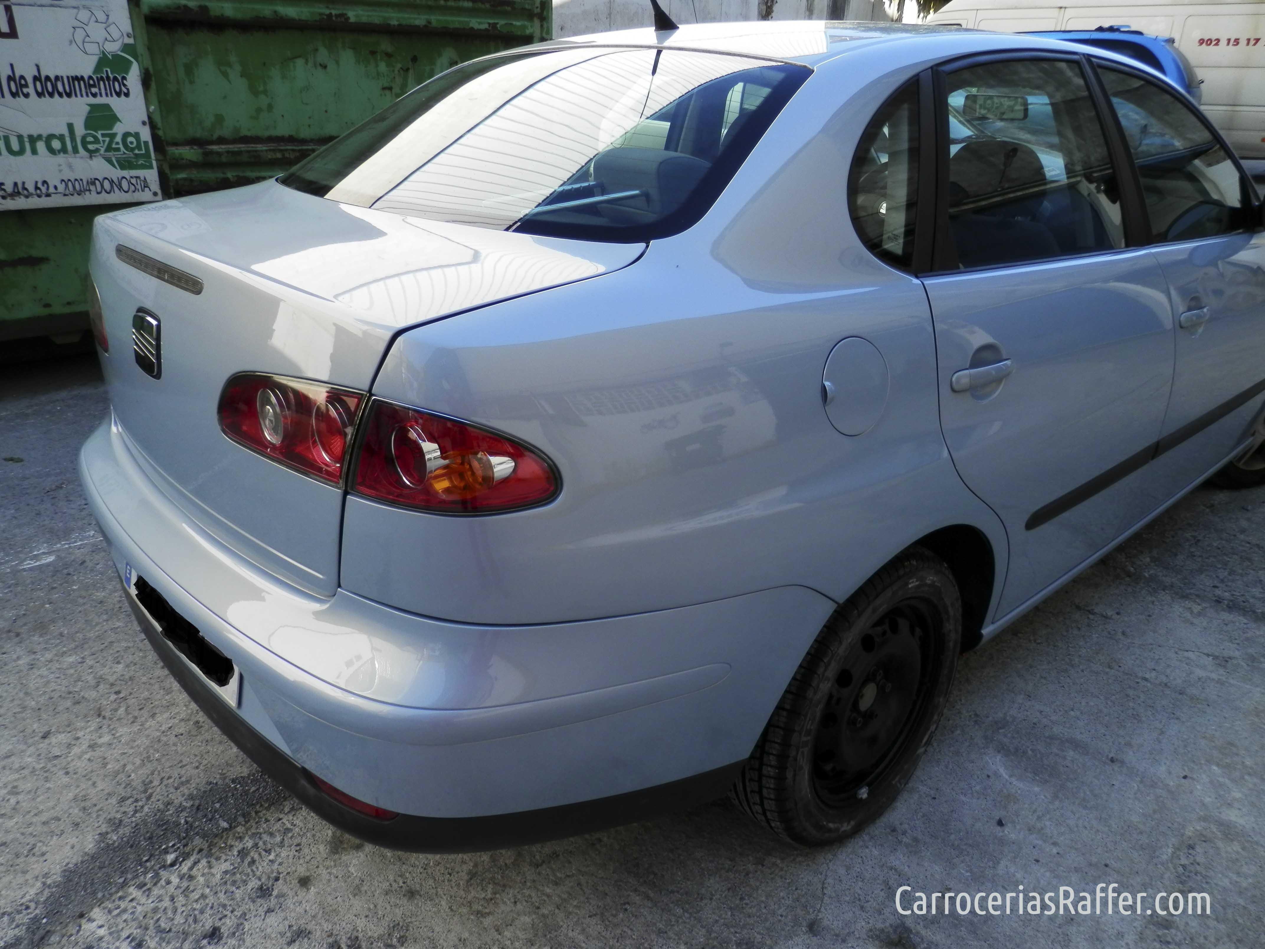 Reparación de chapa en un SEAT Córdoba