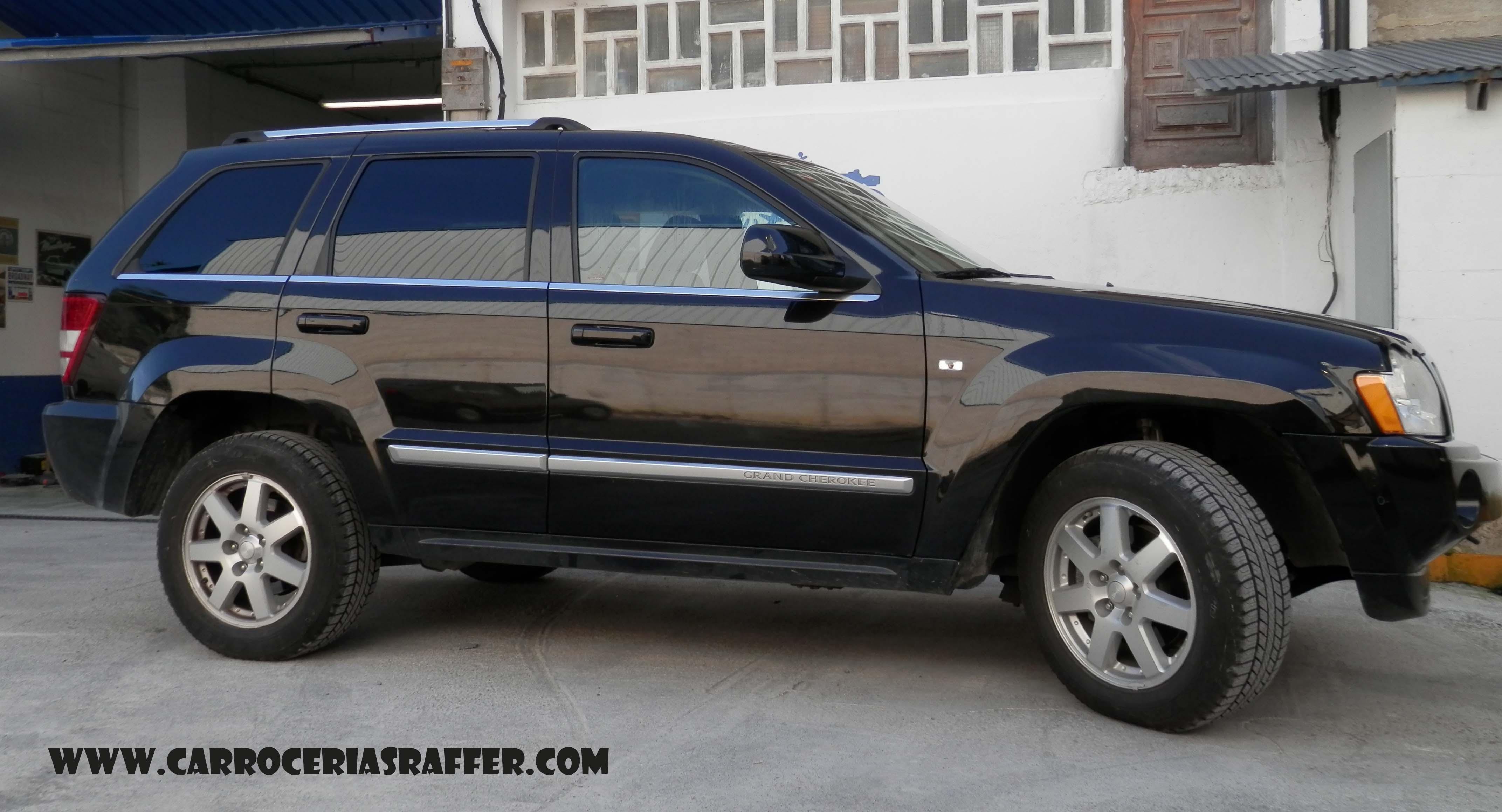Jeep Grand Cherokee al que le pintamos el lateral casi completo ...