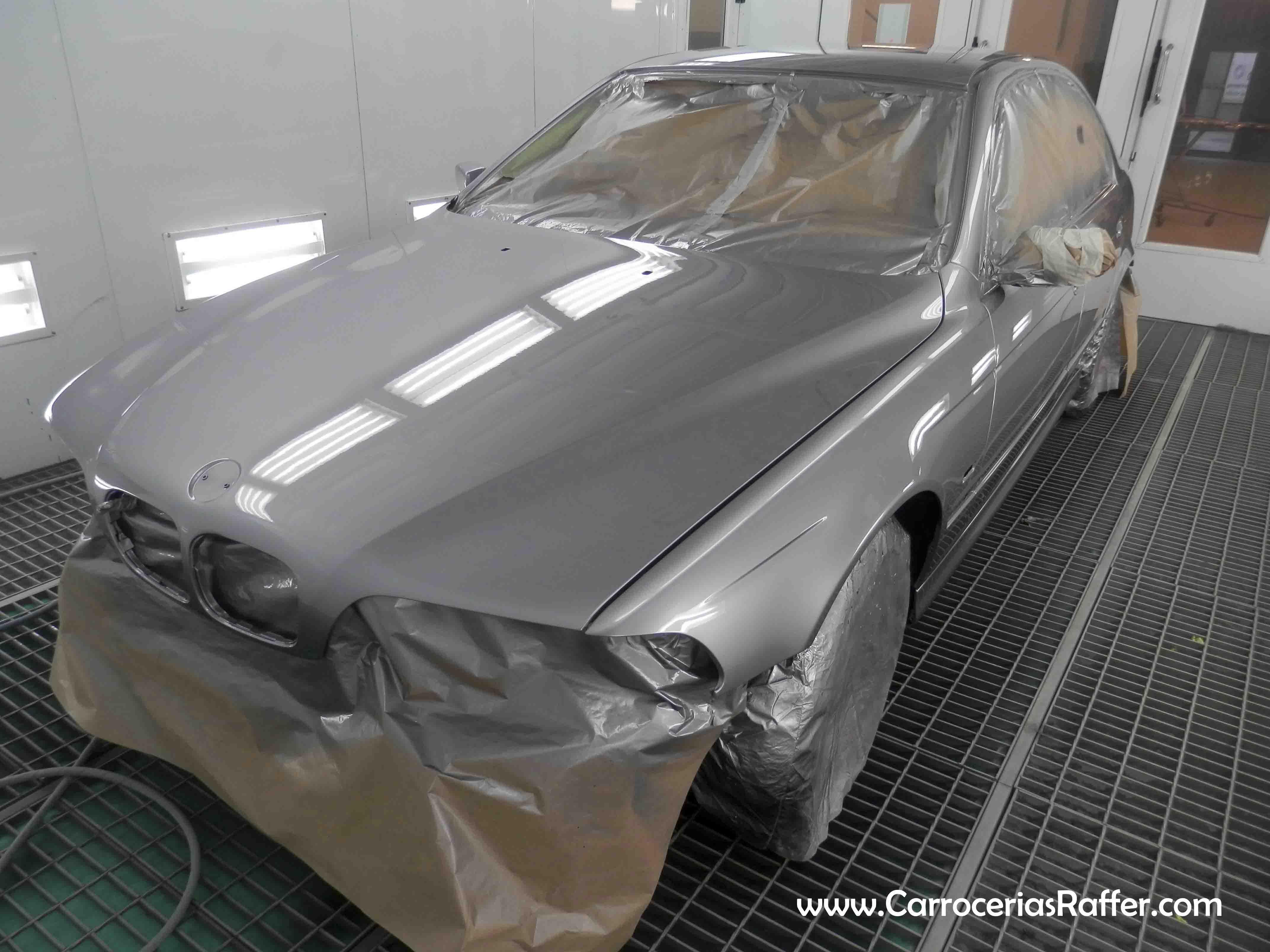 Pintado completo de BMW 525 E39 de 1998 en HD – Alta Definición