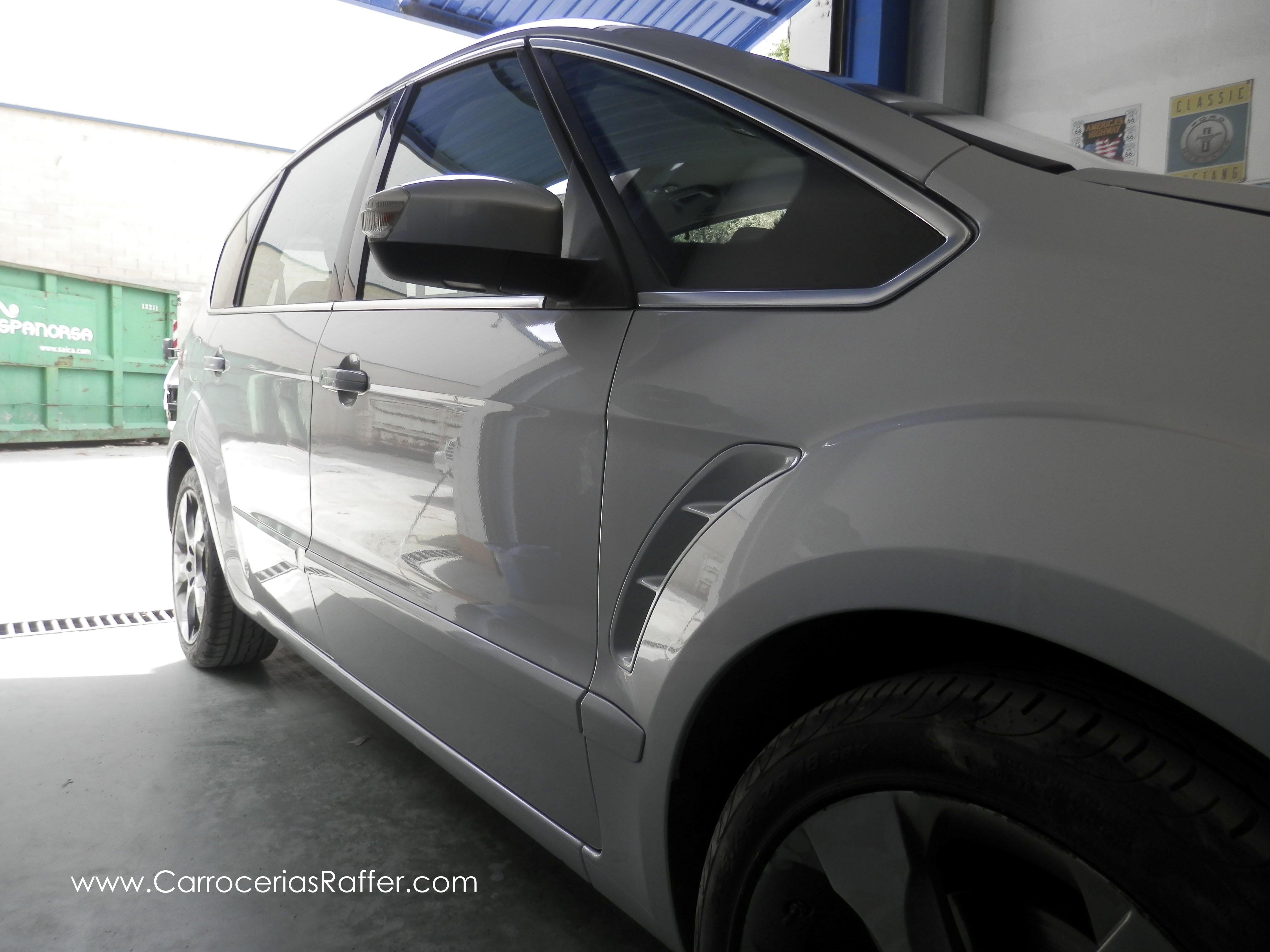 Entregamos un Ford S-Max pintado entero, en HD – Alta Definición, of course