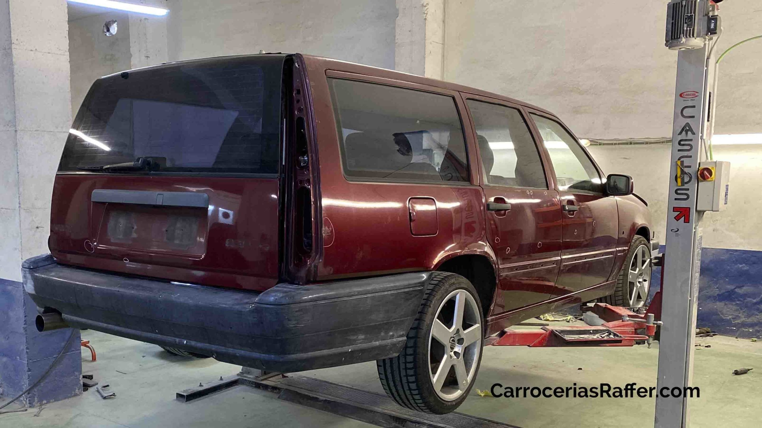 volvo 850 sw pintar coche de rojo a gris carrocerias raffer donostia hernani gipuzkoa taller de chapa y pintura2